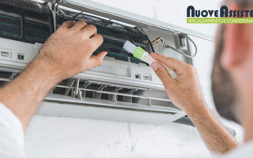Come pulire il condizionatore interno ed esterno?